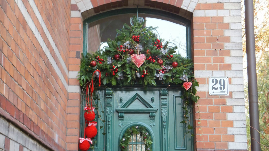 Decorazione natalizia della porta d'ingresso 3