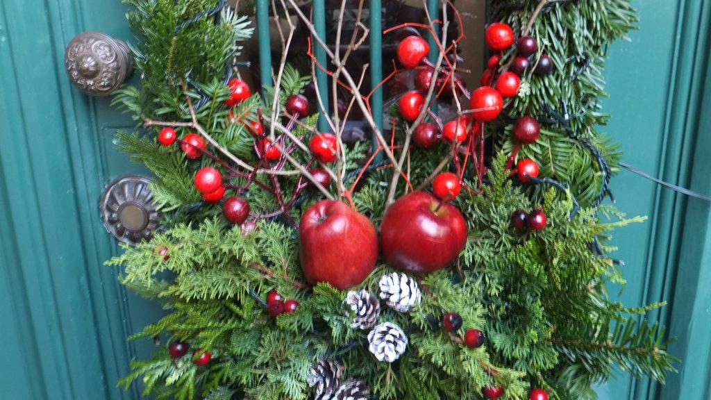 Decorazione natalizia della porta d'ingresso 5