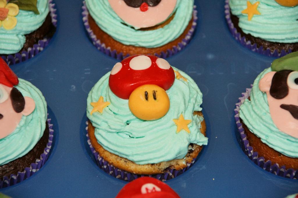 """Muffin """"Mario"""", fiori e funghi 4"""