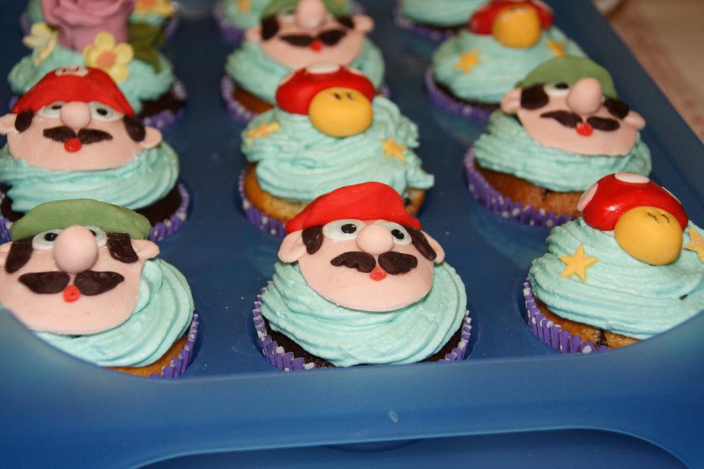 """Muffin """"Mario"""", fiori e funghi 6"""