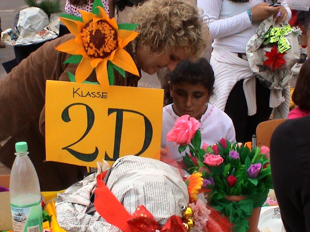Banchetto tulipani alla festa della scuola 01