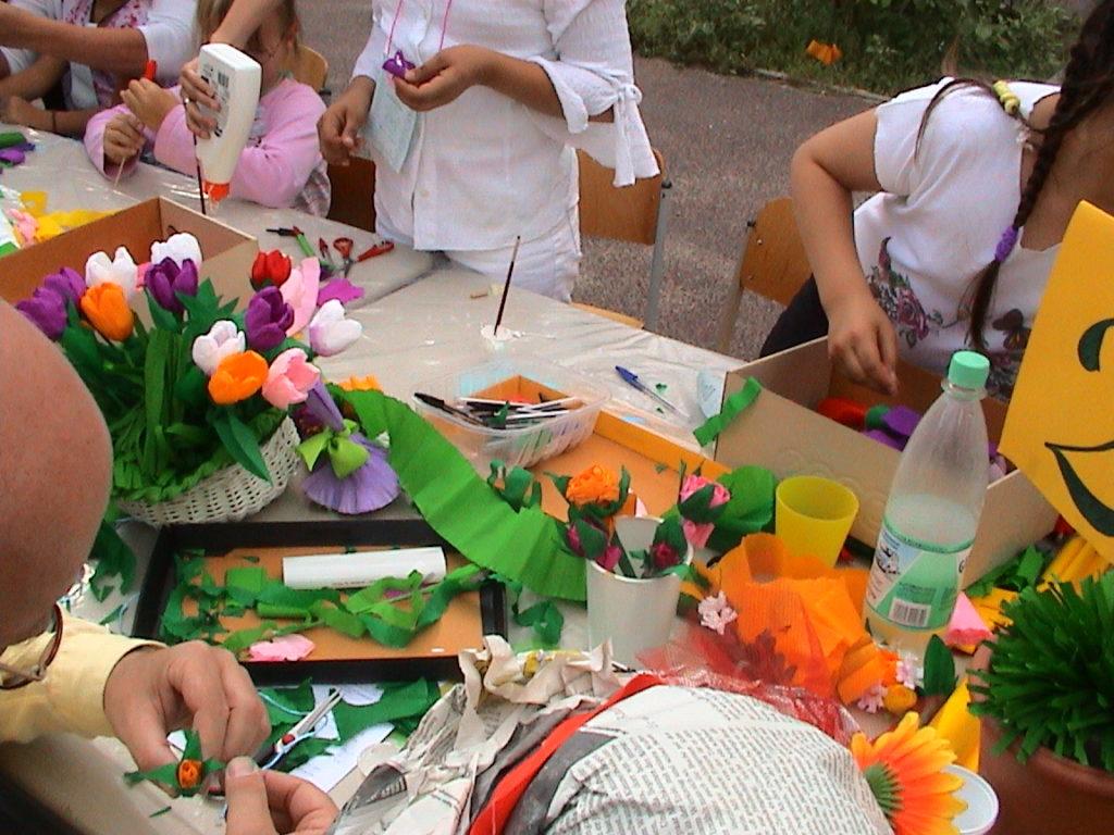 Banchetto tulipani alla festa della scuola 02
