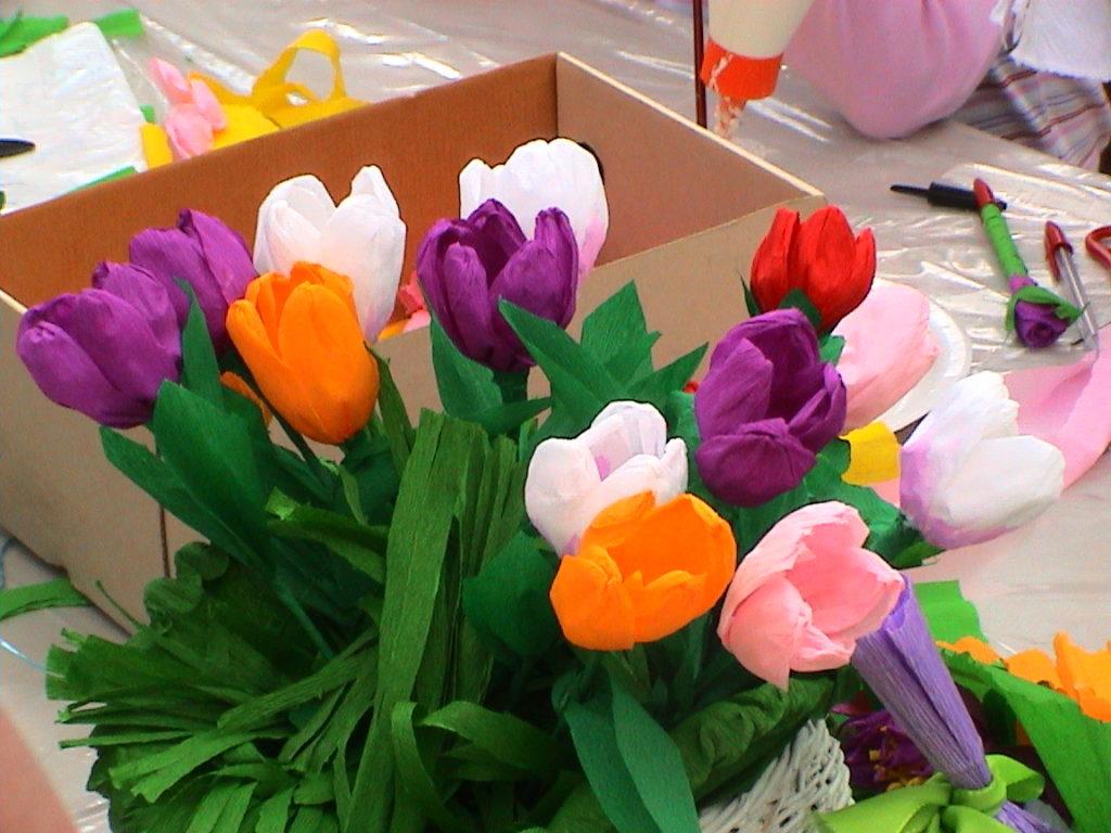 Banchetto tulipani alla festa della scuola 03