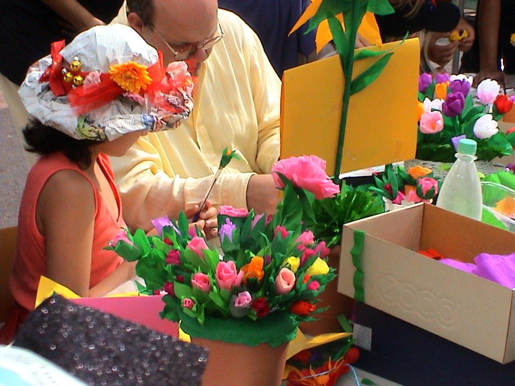 Banchetto tulipani alla festa della scuola 05