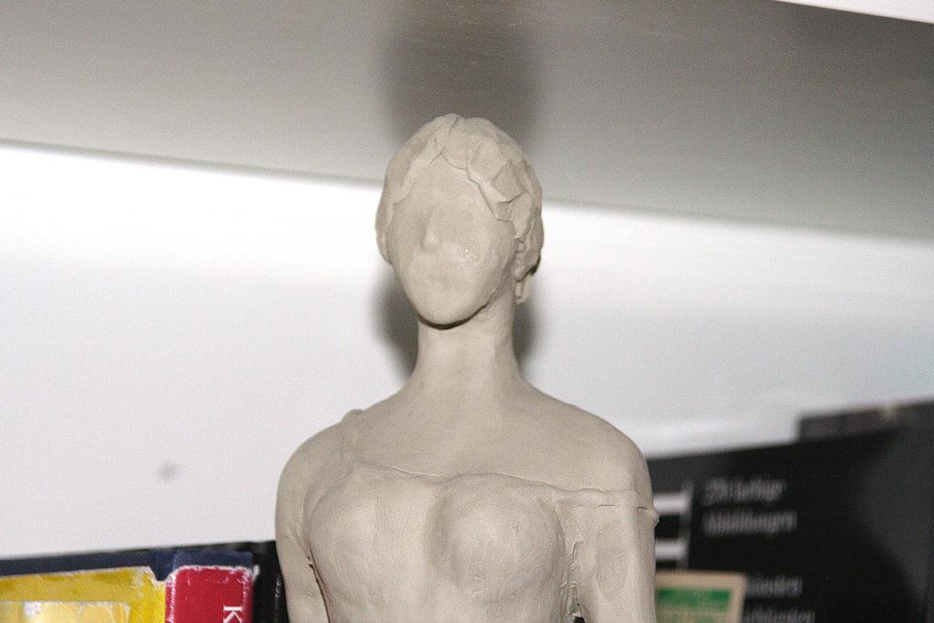 Figura femminile 1