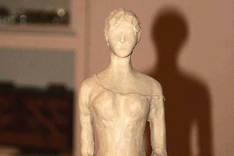 Figura femminile 4