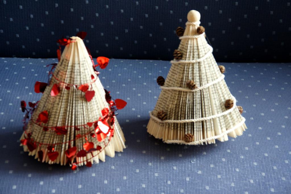 Mercatino della scuola decorazioni natalizie con materiale riciclato 01