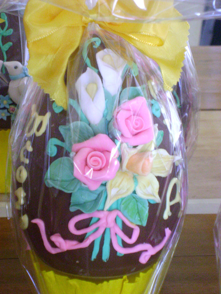 Uova di cioccolato decorate 8